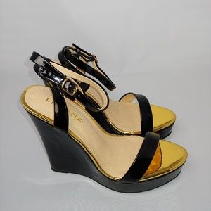 NWT Black and Gold Wedges By Liliana